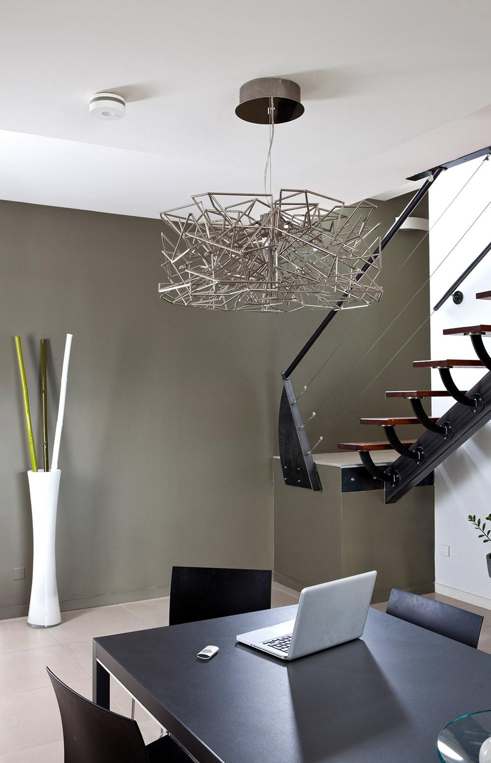 la centrale d alarme. Black Bedroom Furniture Sets. Home Design Ideas